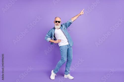 Canvastavla Full body photo of senior man happy positive smile dance point finger isolated o