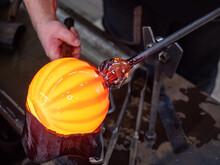 Glassblowing Crafter Rounds The Hot-striped Vase  With Wet Woode Tool