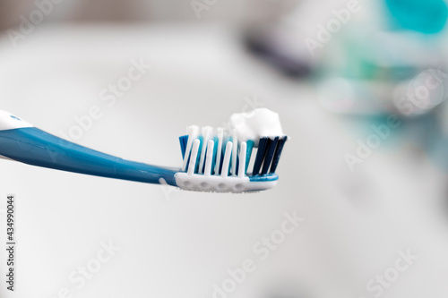 Fotografiet toothbrush with toothpaste