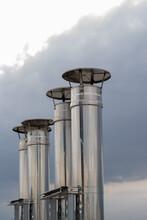Camino - Comignolo Industriali Scarico Frigorifero Calorifero Condizionatore D'aria - Foto Concetto Climatizzatore Gas Refrigerante