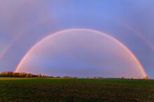 Schöner Großer Regenbogen Komplett