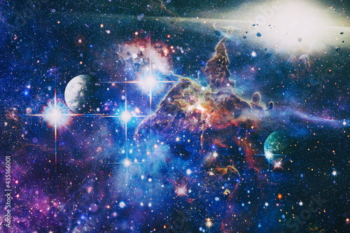 Fotografiet planets, stars and galaxies in outer space showing the beauty of space exploration
