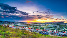 Sunset Landscape In Agricultural Greenhouse Valley Attracts Tourists To Roadside Coffee For Sightseeing, Relaxing At The End Of Day In Da Lat Plateau, Vietnam