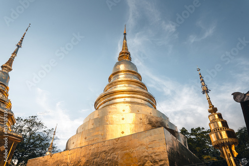 Wallpaper Mural Golden Thai temples and pagodas
