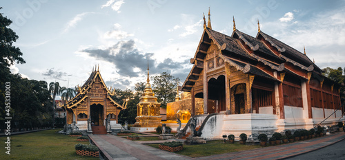 Photo Golden Thai temples and pagodas