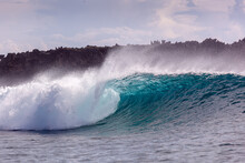 Surf Spot Stimpys And Rock Island En Siargao Island, The Philippines, Waves
