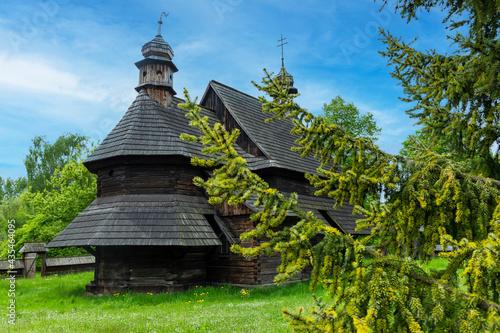 Drewniany kościół w Parku