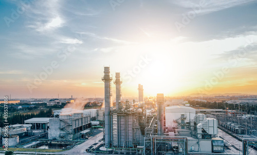 Canvastavla Top view Industrial zone,The equipment of oil refining,Close-up of industrial pipelines of an oil-refinery plant,Detail of oil pipeline with valves in large oil refinery
