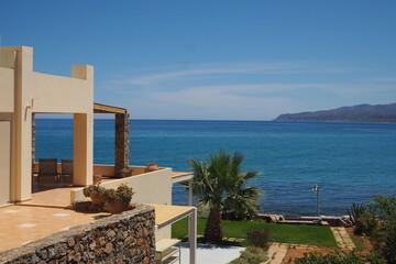 Piękny widok z willi na morze i góry, Kreta, Grecja