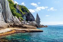 【青森県下北半島佐井村】 一ツ仏:仏ヶ浦は緑色凝灰岩がつくる大小さまざまな奇岩が集まり極楽浄土の景観