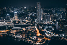 The Singapore Skyline Is A Fascinating Mix Of Old And New, Blending Colonial Buildings And Chinese Shophouses With Cutting-edge Skyscrapers – Reminiscent Of The City's Character.