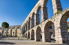 Acueducto Romano De Segovia, España, En La Parte Alta De La Ciudad Con Más De Dos Mil Años De Antigüedad