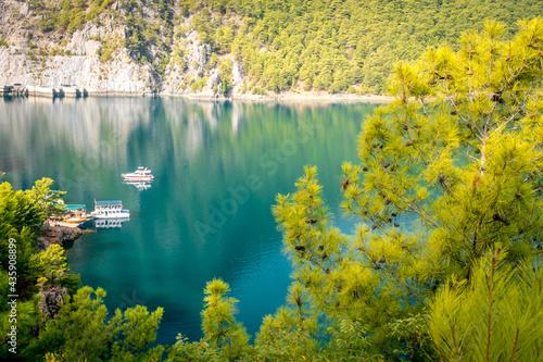 Fotografie, Tablou Dam lake in Green Canyon