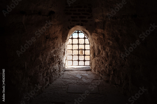 Fotografia Window with bars in the old fortress