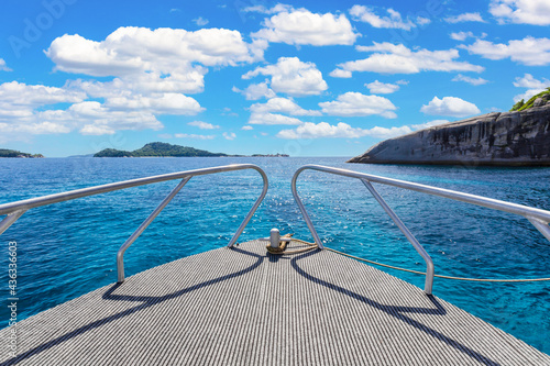 Fotografia Scenic of prow boat over the sea of Similan Islands, Andaman Sea, National Park,