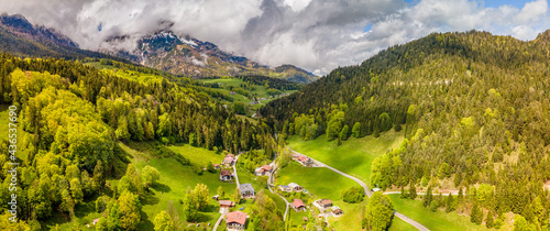 Fotografiet Green Bavarian View from Top with Berchtesgaden mountain chain at the background
