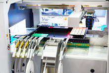 Automatic Machine For The Installation Of Electronic Components