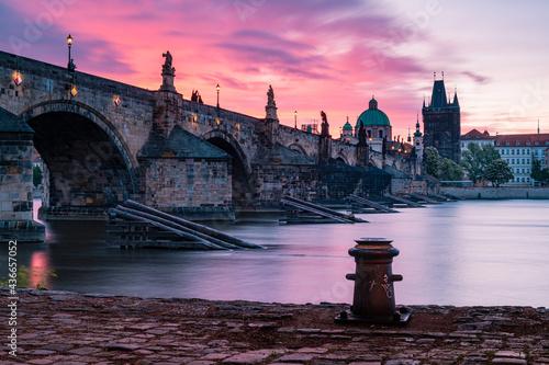 Fotografiet bridge, prague, river, architecture, city, europe, night, charles bridge, charle