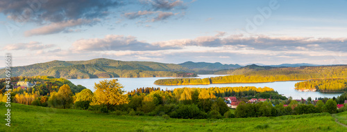 Obraz na plátně Solińskie Lake seen from the viewpoint in Polańczyk