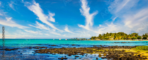 Fotografiet Panoramic view of a seascape at Mahebourg in the south east of the island of Mau