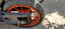 Two Wheeler Tire And Chain Part Image
