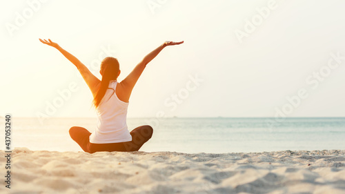 Fotografiet Lifestyle woman worm up raise arm before pose for healthy life