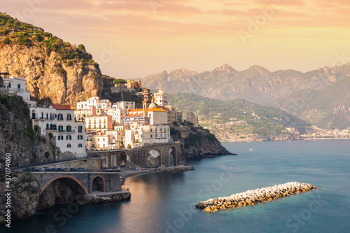 Stampa su Tela Sunset on the Amalfi Coast. Atrani, Salerno, Italy