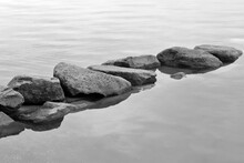 Sassi Nell'acqua In Bianco E Nero, Stones In Black And White In The Water