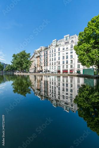 Quai de Valmy, Porte-Saint-Martin, Paris, France #437236019