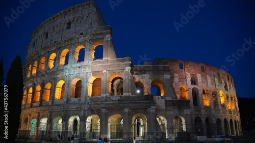 Photo Colosseum at night