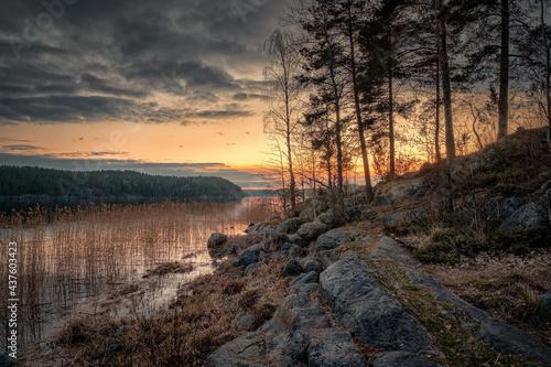 Obraz na plátne Sunset in Kiryavalahti Bay in the north of Ladoga