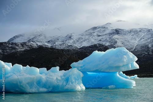 Billede på lærred argentina, patagonia, glacier, glacier lagoon, blue world, floating ice, glacier
