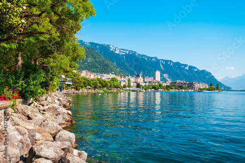 Fotografie, Obraz Montreux town on Lake Geneva
