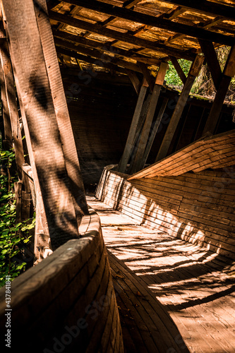 Fotografia Old and abandoned wooden bobsleigh and luge track in Murjani, Latvia