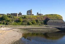 Tynemouth Priory And Castle Overlooking The North Sea In Tynemouth, Tyne And Wear, UK