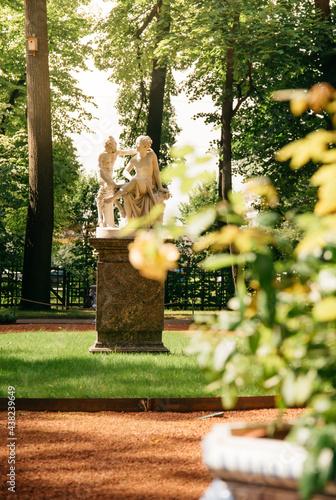 Obraz na plátně Marble sculpture 'Satyr and Bacchante' of the 'Summer Garden'