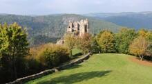 Château Fort De Blot-le-Rocher, Dit Château Rocher Auvergne-Rhône-Alpes Puy-de-Dôme Saint-Rémy-de-Blot France