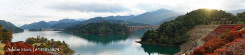 Fotografie, Obraz 紅葉の宮ヶ瀬湖パノラマ写真(神奈川県)