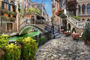 city canal grande