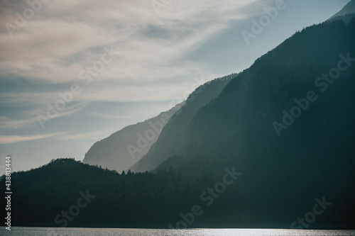 Minimalistyczne pasmo górskie