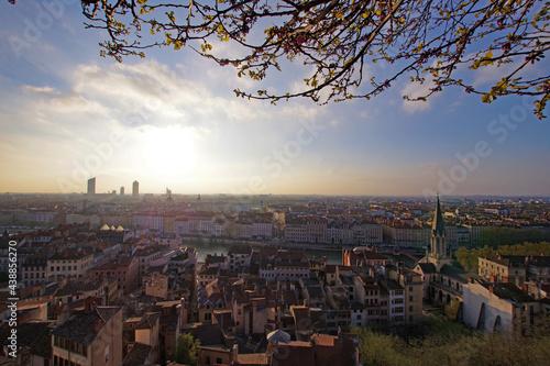 Fotografiet Lyon au levé du soleil