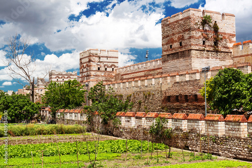 Fotografiet Panorama of Ancient Walls of Constantinople, Istanbul, Turkey