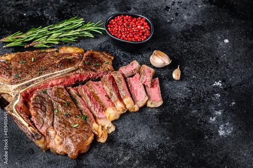 Photo Grilled italian Florentine or  t bone beef meat Steak
