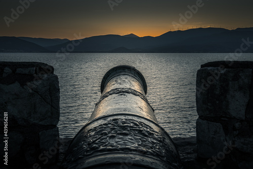 Foto The Bastion of Pende Adelphia, or Five Brothers,  is on the North West slope of the Acronauplia and owes its name to the five cannons, all the same size, that reinforced its defences