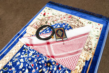 Set Of Islamic Religious Prayer Accessories,Quran Rosary Agal Shemagh Scent Bottle On Prayer Mat