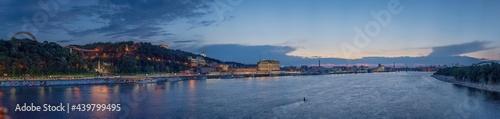 Fotografija Night panorama of Kiev, where you can see the Dnieper River, the embankment, Pochtovaya Square, St