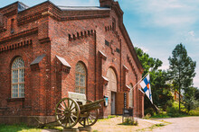 Military Museums Manege Building On Fortress Island Of Suomenlinna. World Heritage Site In Sunny Summer Day. Helsinki, Finland
