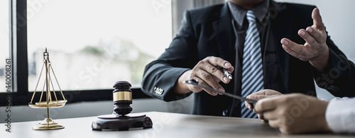 Fotografija Attorneys advising in cases where a client has been defrauded by a defendant who is a business partner forming a joint company, advising on litigation and gathering evidence