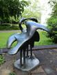 skulpture kraniche in stadtpark neuss, deutschland