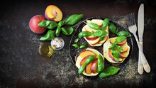 Peach Caprese Toast. Healthy Sandwiches With Basil And Peach. Caprese Bruschetta.